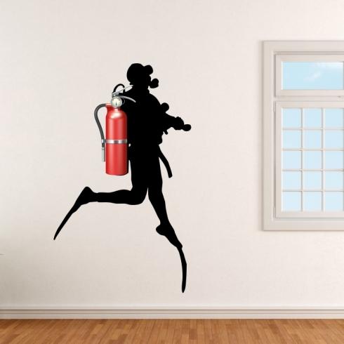 Potápěč za hasící přístroj - vinylová samolepka na zeď