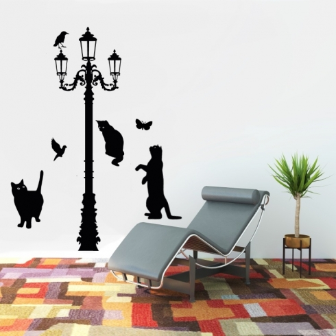 Kočky pod lampou - vinylová samolepka na zeď